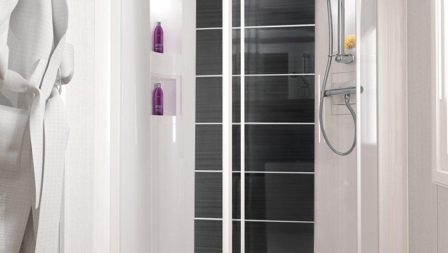 INT Bordeaux 38 x 12 2 B Shower RGB min